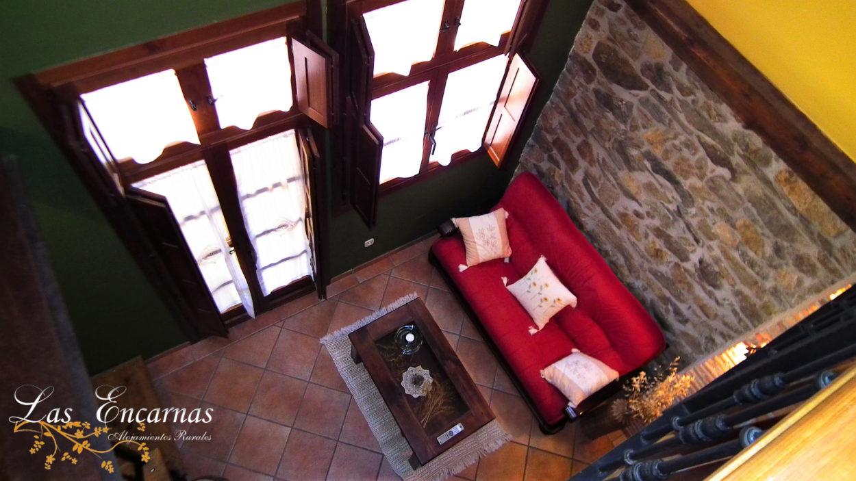 Salón,chimenea,abuhardillado,3 alturas, terraza